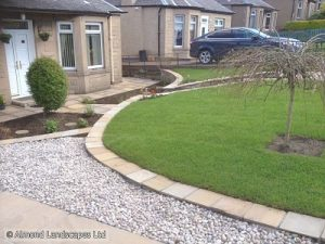 Curves enhance this front garden
